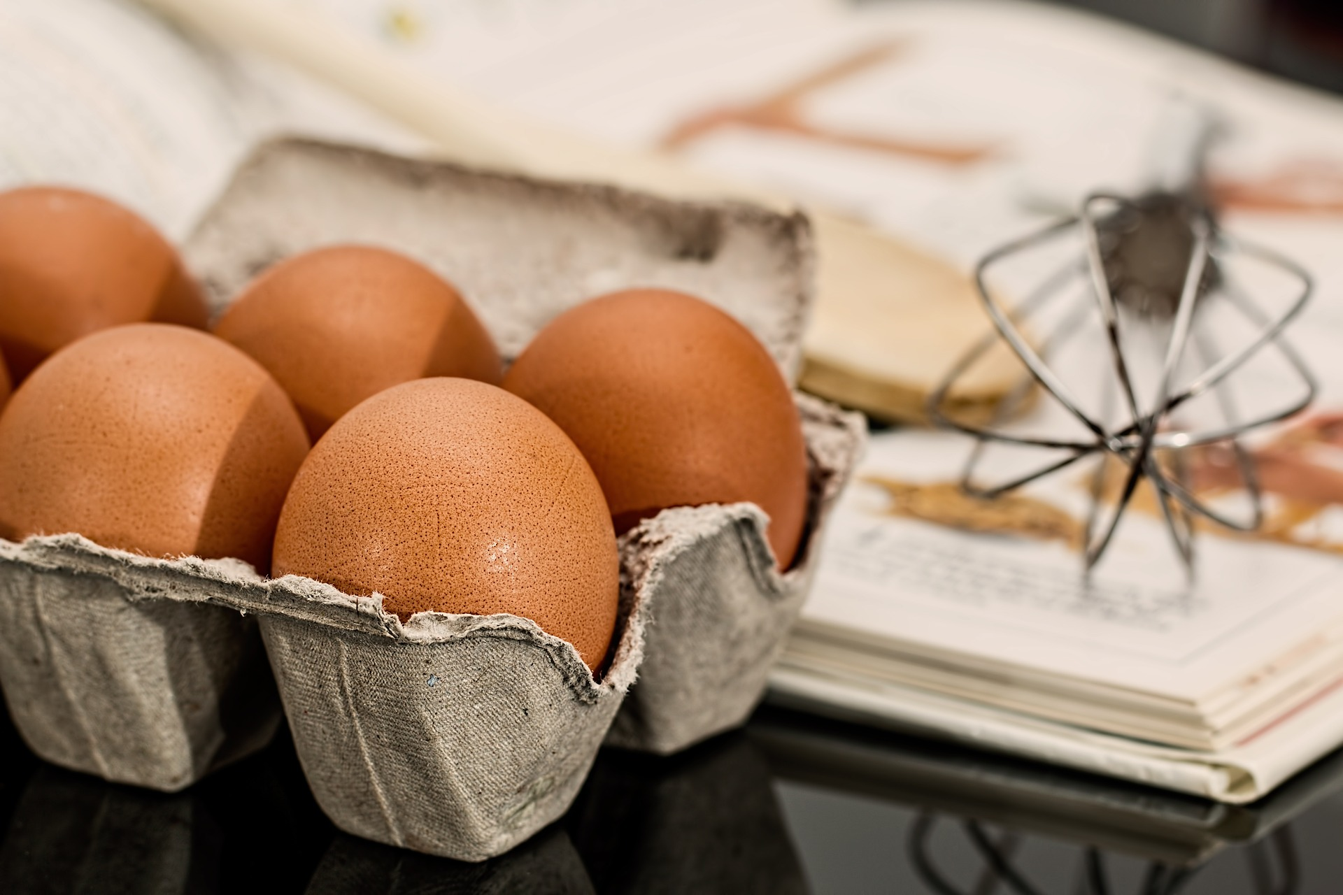 What are the benefits of chicken eggs?